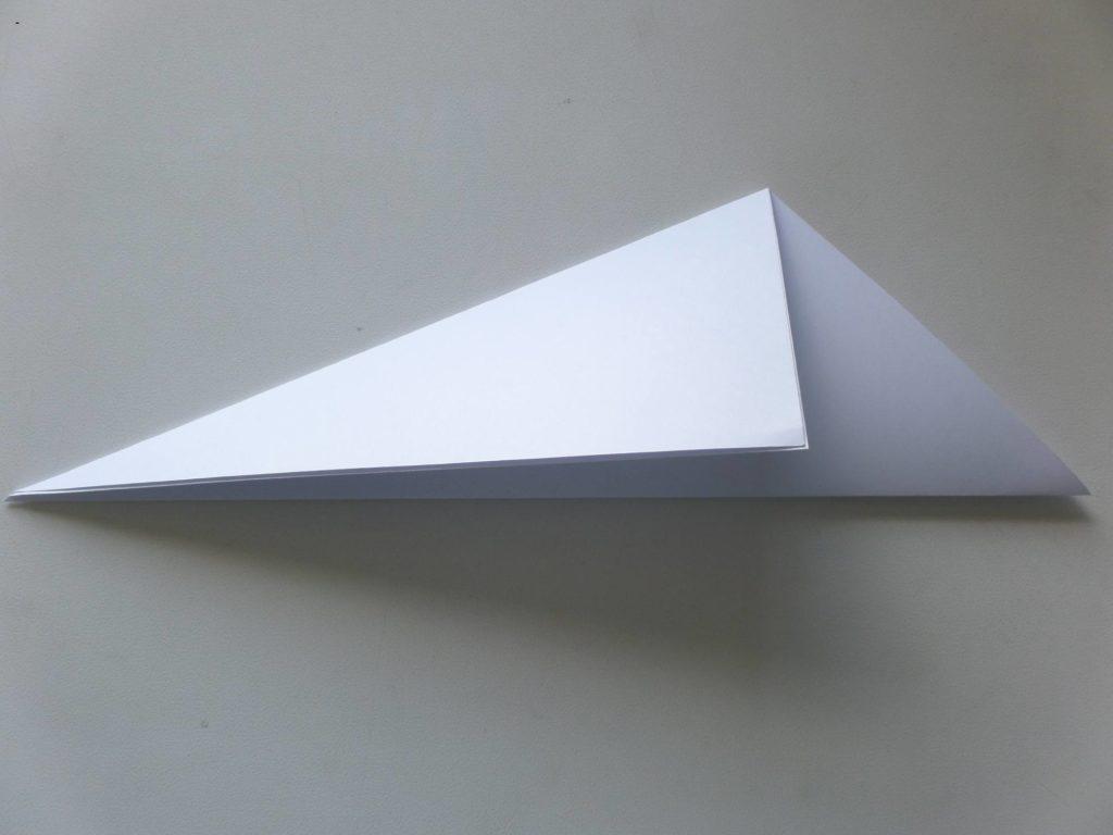 стаканчик из бумаги